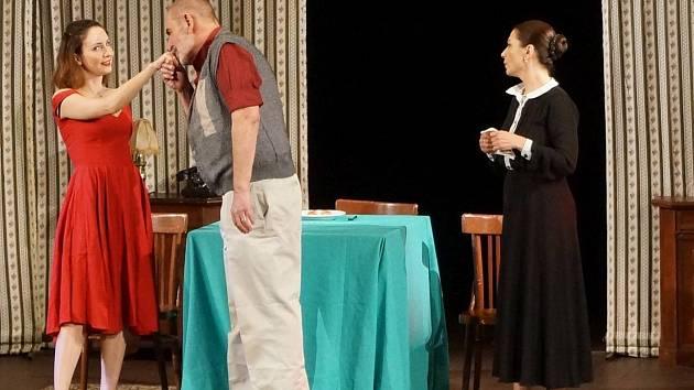 Liga proti nevěře v podání známých hereckých tváří byla k vidění minulý pátek v domažlickém MKS.