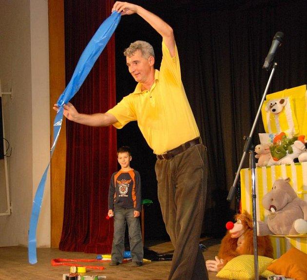Michal při svém představení.