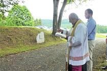 Svěcení křížové cesty na Tanaberku.