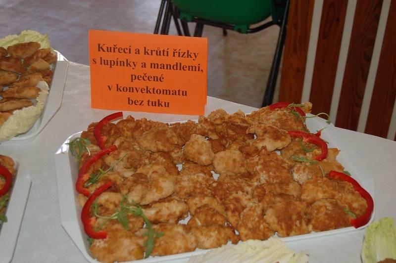 Den otevřených dveří ve školní jídelně v Domažlicích.