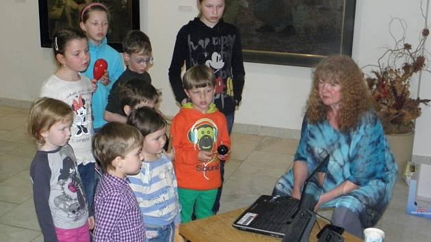 Zpívání dětí z draženovské školky s Lídou Nopovou.