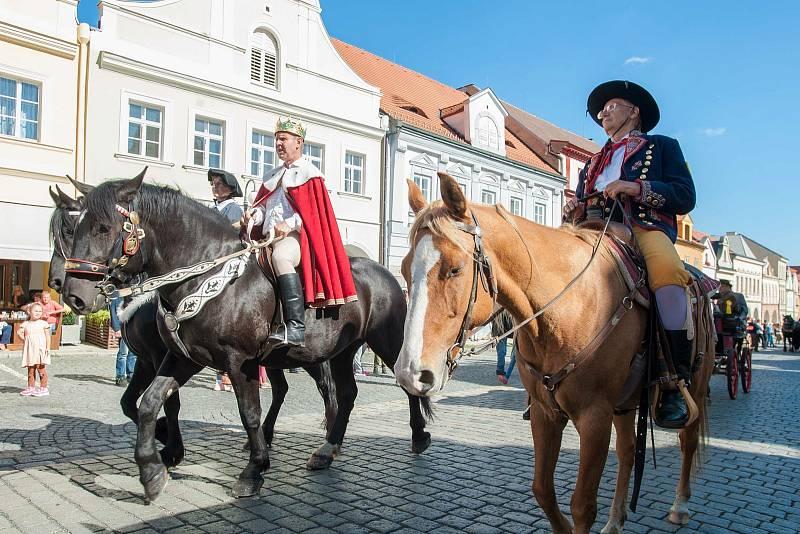 V Domažlicích se uskutečnil jubilejní ročník Svatováclavské jízdy.