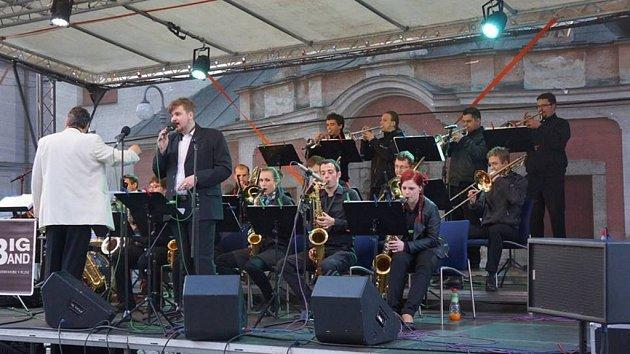 Koncert Big bandu plzeňské konzervatoře vDomažlicích.