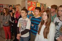 Z vernisáže výstavy blížejovské školy v Muzeu Chodska.