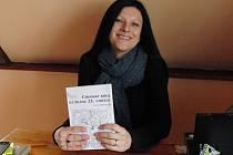 LUCIE KALOUSOVÁ. V neděli v Postřekově U Hadamů pokřtí knihu o chodských krojích.