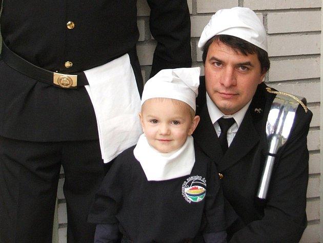 Václav Suchý mladší z Tlumačova se svým synkem Václavem.