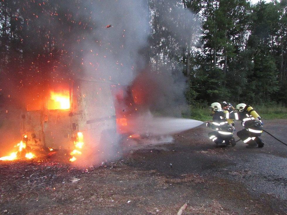 Ze cvičení jednotek sborů dobrovolných hasičů.