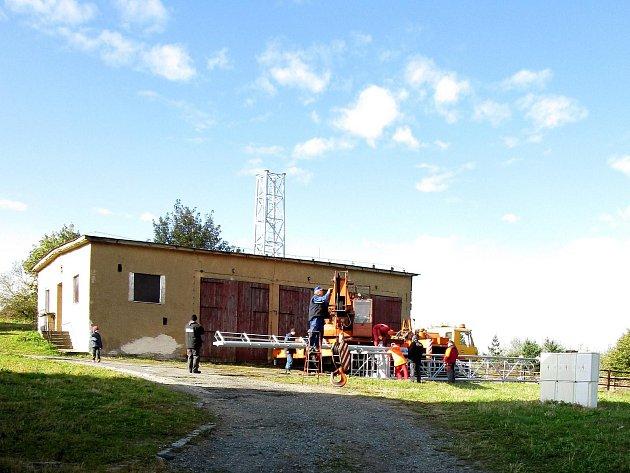 Ze stavby televizního vysílače Multiplexu 4 na Čerchově.