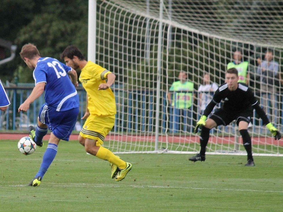 Třetiligové derby mezi FK Tachov a Jiskrou Domažlice.