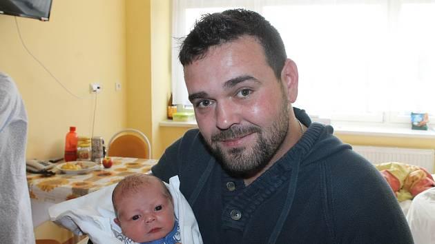 Erik Joenel z Černovic se narodil v domažlické nemocnici 18. listopadu v 21:18 hodin (3650 g, 52 cm).