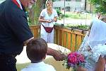 Školáci z Meclova si vyzkoušeli svatbu nanečisto.
