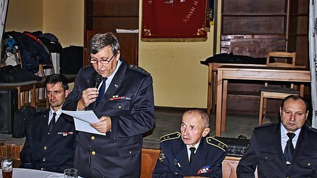 2. Starosta SDH Pocinovice Dušan Očenáš přednesl zprávu o činnosti.