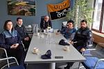 Setkání policejní hlídky s vedením města.