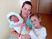 JITKA MUNZAROVÁ přišla v domažlické porodnici na svět společně 25. září v 12.25 hodin.