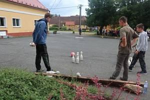 Bowling do kopce je místní sportovní specialita.