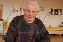Josef Hána využívá péči v domažlickém penzionu pro seniory.