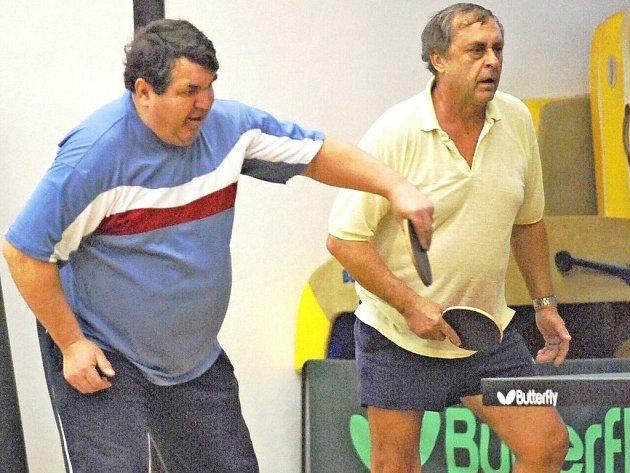PERLIČKA TURNAJE. Nejtěžší soupeř okresních soutěží ve čtyřhře, dvojka Holinka, Bozděch - 250 kg.