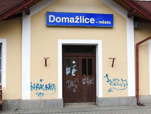 Zastávka Českých drah Domažlice-město.