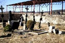Hřbitov v Hyršově.