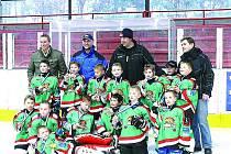 HOKEJISTÉ 1. A 2. TŘÍDY HC Domažlice vybojovali na Vánočním turnaji v Kralupech nad Vltavou výborné třetí místo.