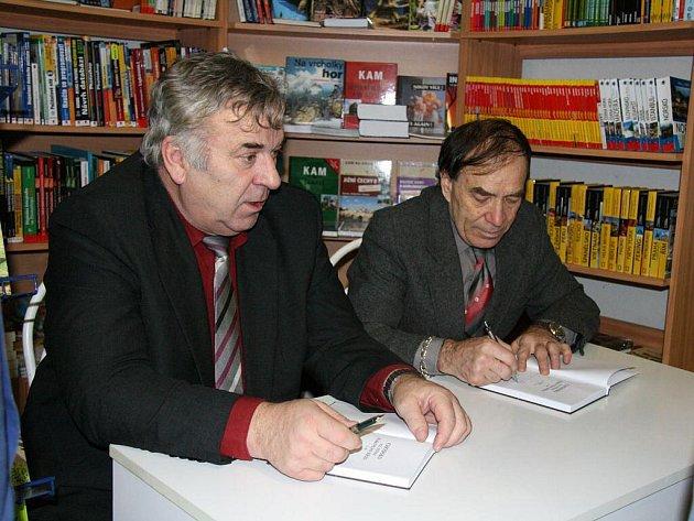 Autogramiáda Bohuslava Balcara v knihkupectví V Alejích.