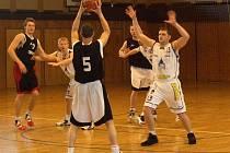 Fanoušci basketbalu se opět dočkají ve sportovní hale.
