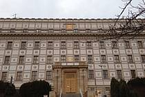 Budova úřadu v Paroubkově ulici, kde sídlí Okresní soud Domažlice.