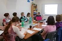 ÚČASTNÍCI semináře na téma Metody alternativní komunikace ve Kdyni.