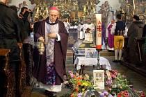 Plzeňský biskup František Radkovský sloužil mši za zesnulého Jakuba Blackého.