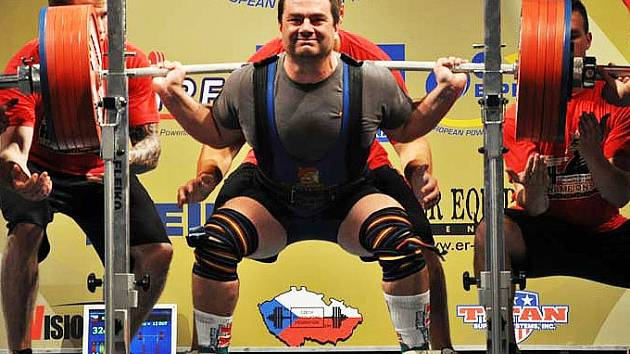 Mistrovství světa v silovém trojboji s účastí borců z Fitness clubu Staňkov.