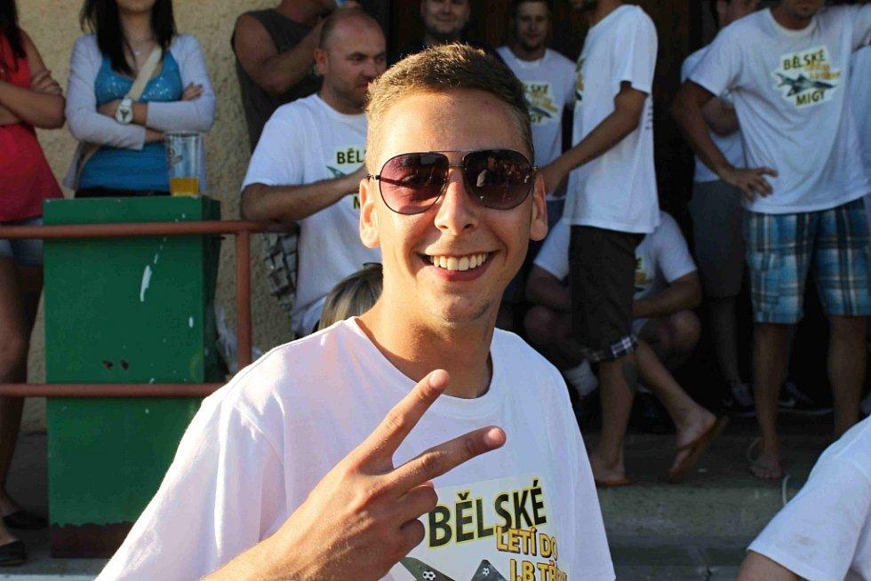 Postupové oslavy na hřišti vítěze okresního přeboru, TJ Start Bělá nad Radbuzou.