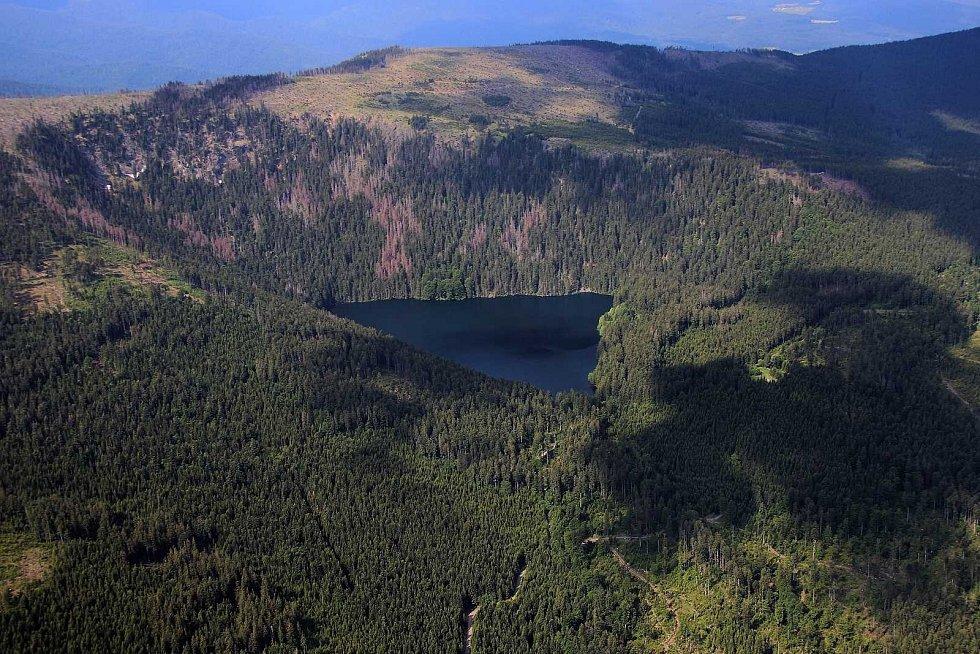Černé jezero na Šumavě.