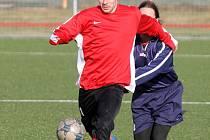 Fotbalista FC Dynamo Horšovský Týn Martin Wolf z Domažlic.