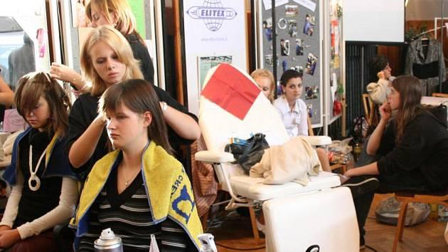 Výběr střední školy usnadnila žákům devátých ročníků nedávná akce Okresní hospodářské komory v Domažlicích, na které se prezentovaly jednotlivé školy.