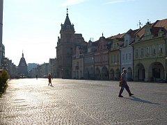 Domažlické náměstí bez aut.