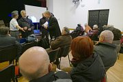 Vernisáž odhalila Pamětní desku na budově MKS Modrá hvězda ve Kdyni.