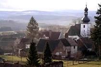 Dominantou obce je  kostel svaté Kunhuty, stavba pocházející z první poloviny 14. století.