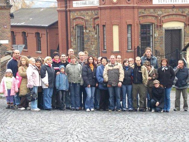 Hasiči ze Stanětic uspořádali výlet na Svatou horu a do největšího důlního muzea v České republice