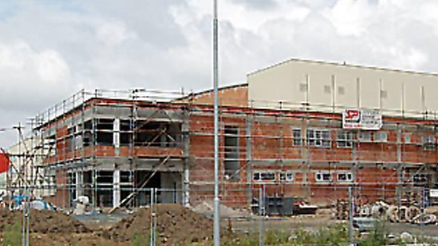 Rozestavěný zimní stadion v Domažlicích