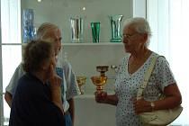 Vernisáž výstavy stříbřeného skla ve Kdyni.