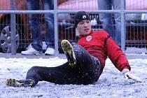 Místo zápasu byl na umělce na Střelnici k vidění pouze trénink fotbalistů Sparty Praha B a Jiskry Domažlice.
