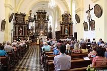 Koncert v kostele svatého Petra a Pavla.