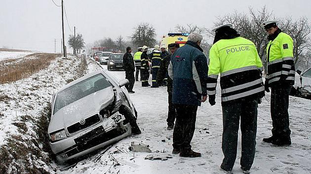 Dopravní nehoda v Týnských hájích v pátek 8. ledna.