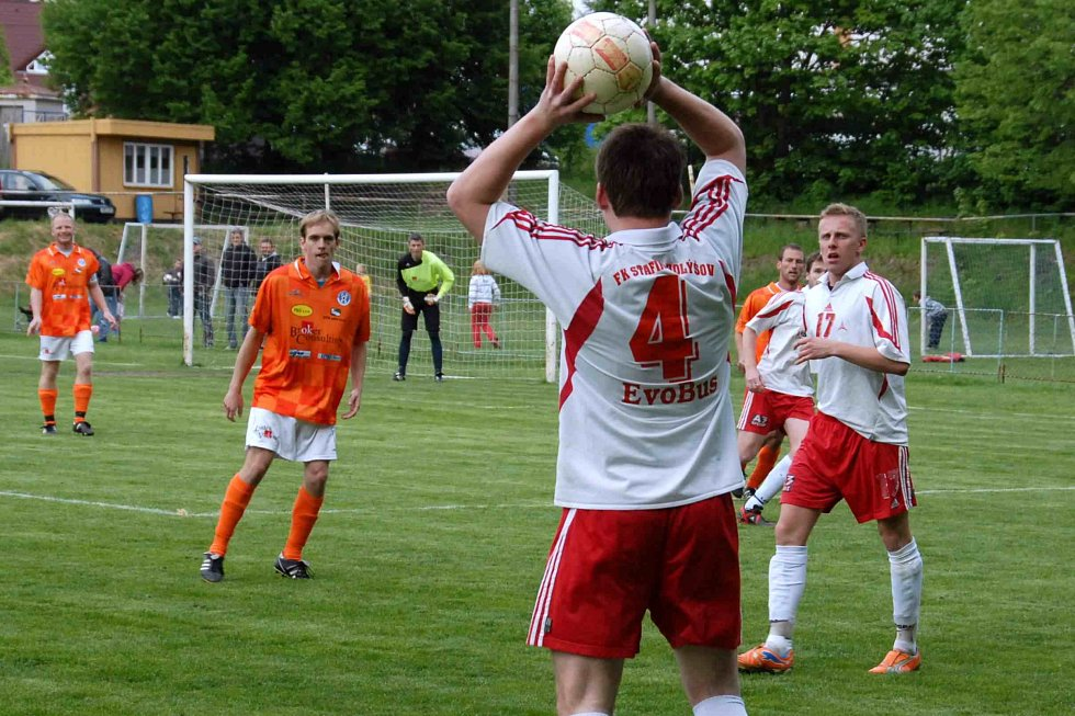 Z utkání fotbalistů FK Holýšov a Spartak Chrást.