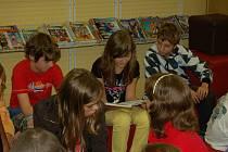 Velké říjnové společné čtení v domažlické knihovně.