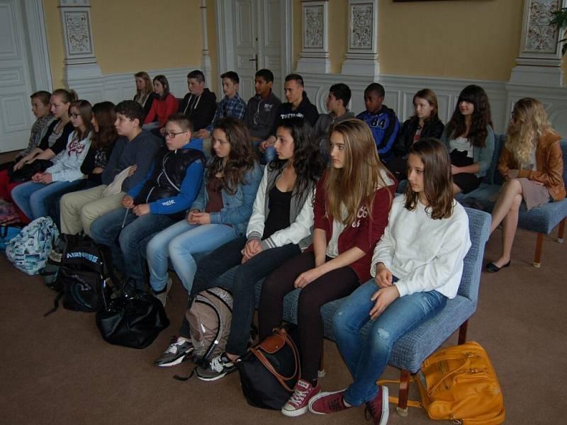 Z přijetí francouzských studentů na domažlické radnici.