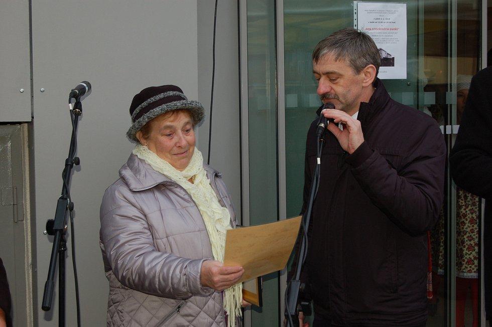 Z otevření Domu se zvláštním režimem v Benešově ulici v Domažlicích.