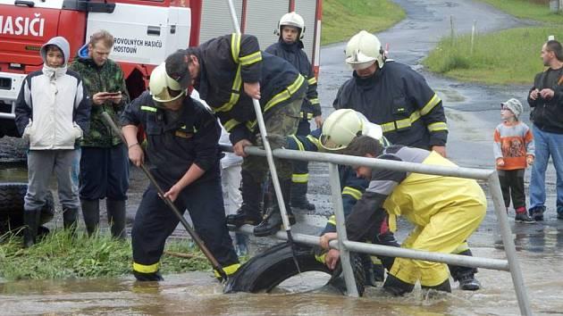 Záplavy v Holubči.