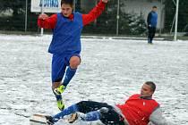 Místo zápasu byl na umělce na Střelnici k vidění jen trénink fotbalistů Sparty Praha B a Jiskry Domažlice.