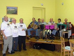 Harmoniky vyhrávaly v sobotu odpoledne v sále v Pelechách.